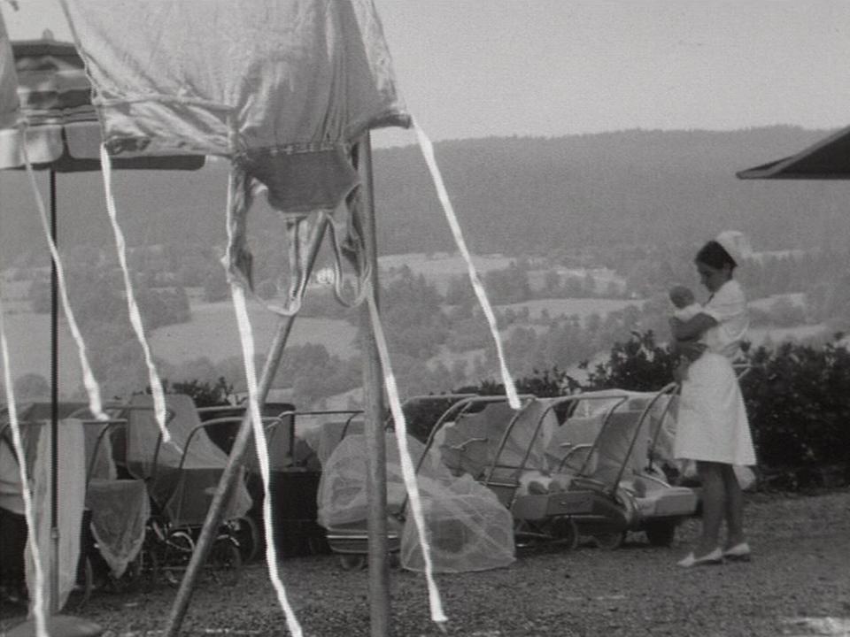 La vie d'une nurse en 1969. [RTS]