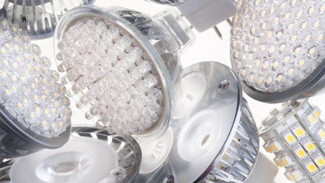 Difficile de d'y voir clair au rayon des ampoules et spots LED! [Dusan Kostic - Fotolia]
