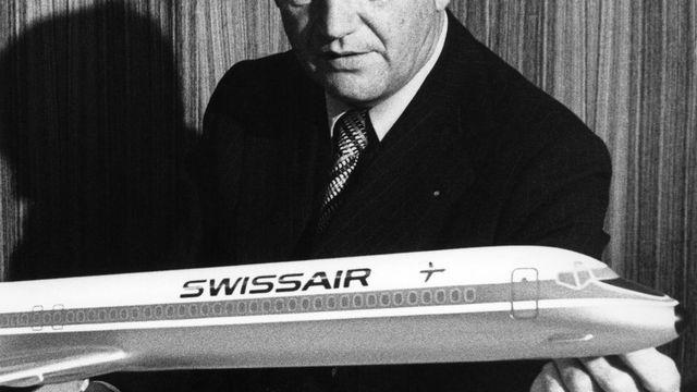 Présenté en 1978 par le directeur de l'époque Armin Baltensweiler, le DC-9-81 du fabricant Douglas a été exploité entre 1980 et 1998. Swissair disposait de 25 appareils de ce type pouvant transporter 134 passagers. [Keystone]