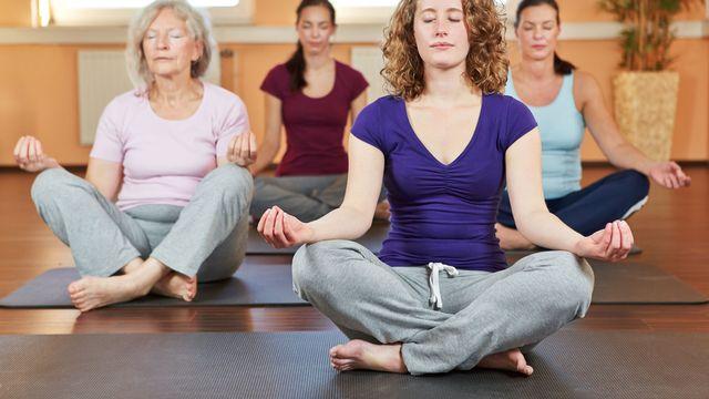 Les effets bénéfiques de la méditation sont largement reconnus. [Robert Kneschke - Fotolia]