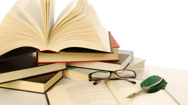 Livres [©francovolpato - Fotolia]