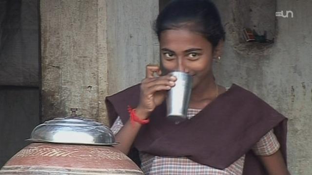 Inde : Boire de l'eau salée [RTS]