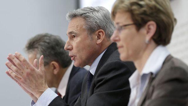Adrian Amstutz lors d'une conférence de presse de l'UDC le 12 avril 2013 à Berne. [Peter Klaunzer - Keystone]