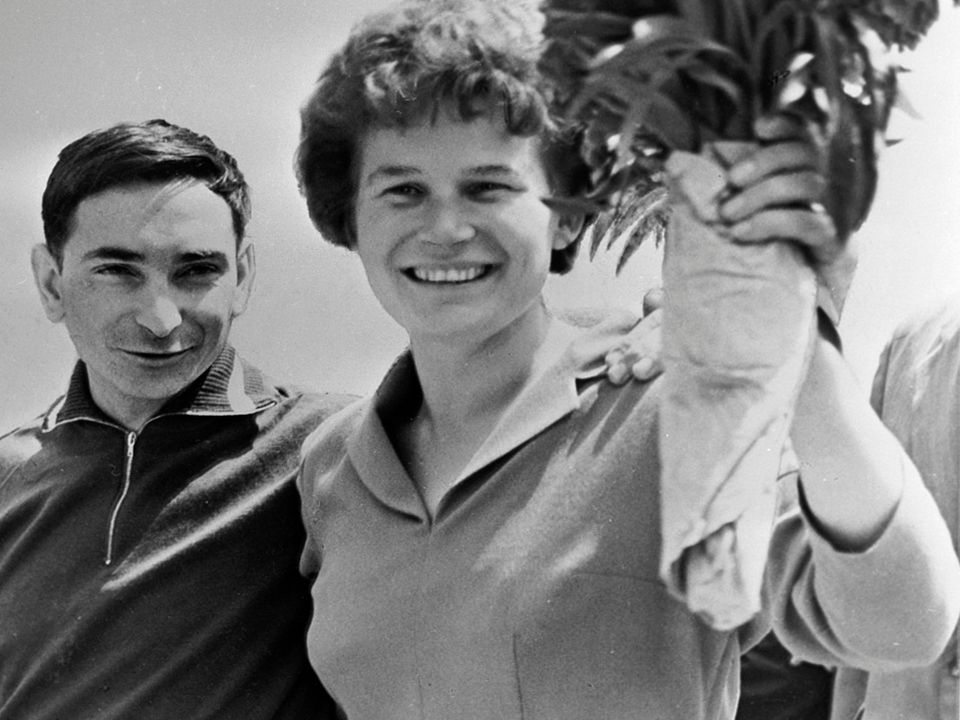 Valery Bykovsky and Valentina Tereshkova [Alexander Mokletsov - Wikimedia : RIA Novosti ]