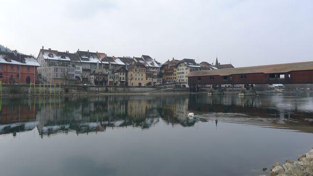 La ville de Büren an der Aare. [Virginie Brawand - RTS]