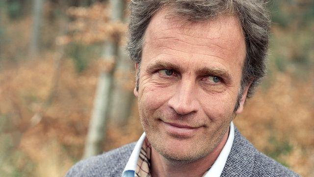 """Alex Capus vient de remporter le Prix du public de la RTS 2013 avec son dernier roman """"Léon et Louise"""". [Ayse Yavas - Keystone]"""
