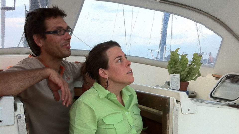 Julia et son compagnon. [RTS]