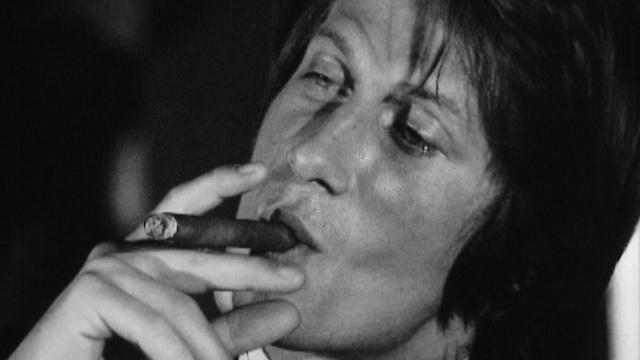 """Jacques Dutronc est l'invité de """"Chansons à aimer"""" en 1971. [RTS]"""