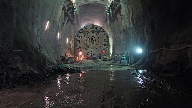 Percement du tunnel de base du Gothard à Sedrun. [alptransit.ch]