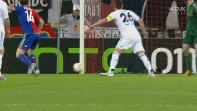 Bâle - Chelsea. 48e minute: poteau pour Valentin Stocker (Bâle). On a passé près du 1-1 [RTS]