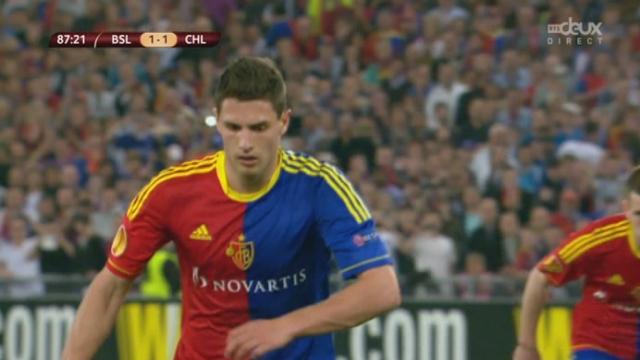 Bâle - Chelsea. 86e minute (1-1): penalty pour Bâle. Fabian Schär égalise [RTS]
