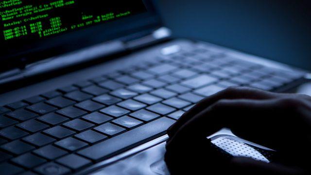 Les réseaux sociaux représentent une aubaine pour les organismes de surveillance. [Artur Marciniec - Fotolia]