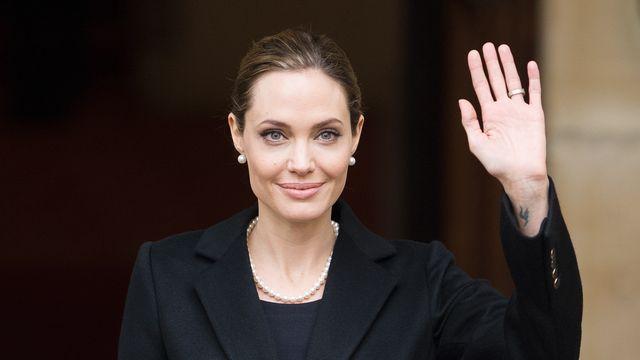 Pour prévenir un risque très élevé de cancer en raison d'un gène défectueux, l'actrice Angelina Jolie a subi une double mastectomie. [Leon Neal - AFP]