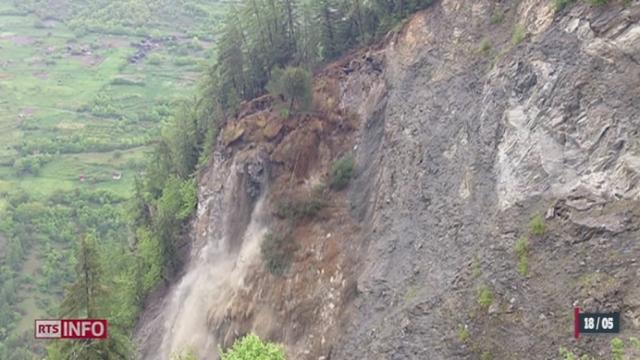 VS: l'état d'alerte est maintenu à Riddes à cause d'une falaise instable [RTS]