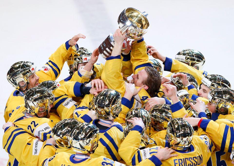 Les Suédois en pleine jubilation. [Grigory Dukor - Reuters]