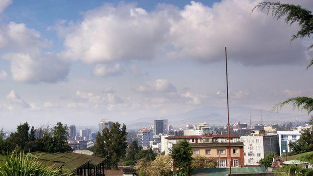 Addis-Abeba en mutation, vu depuis le quartier Piazza.  [Adrien Zerbini - RTS]