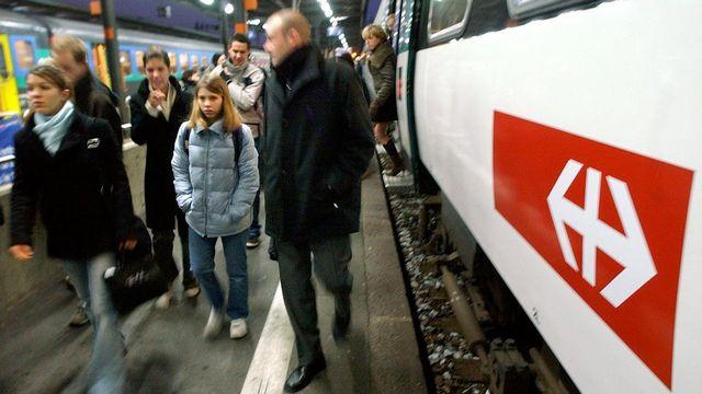 Par rapport à l'an 2000, l'usage des transports publics a augmenté. [Laurent Gilliéron - Keystone]