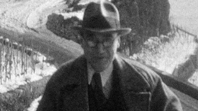 André Gide dans les vignes de Pully en 1963. [RTS - RTS]