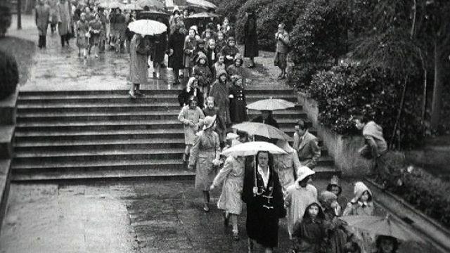 L'été 1960 sous la pluie. [RTS]