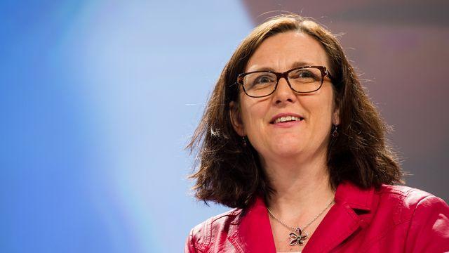 Cecilia Malmström a rencontré le ministre américain de la Justice Eric Holder à Dublin. [Geert Vanden Wijngaert - Keystone]