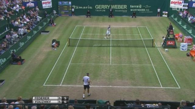 Tennis: Roger Federer remporte le tournoi de Halle (Allemagne) en battant le Russe Youzhny en finale (6-7, 6-3, 6-4) [RTS]