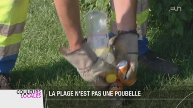 Avec le temps estival, la plage de Neuchâtel est jonchée de déchets et de détritus [RTS]