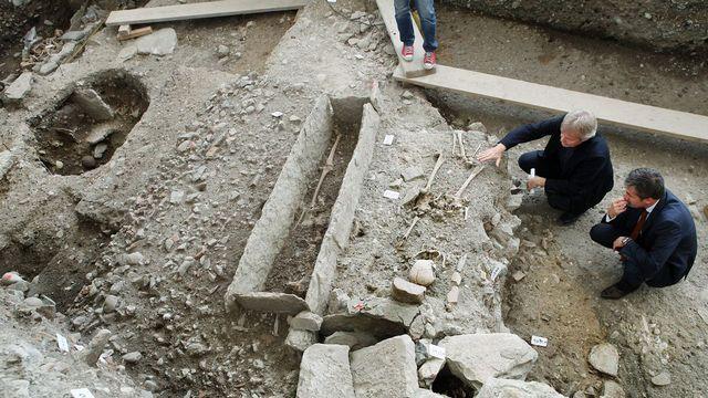 Le chantier de l'esplanade de Saint-Antoine a révélé des vestiges archéologiques d'importance. [Magali Girardin - Keystone]
