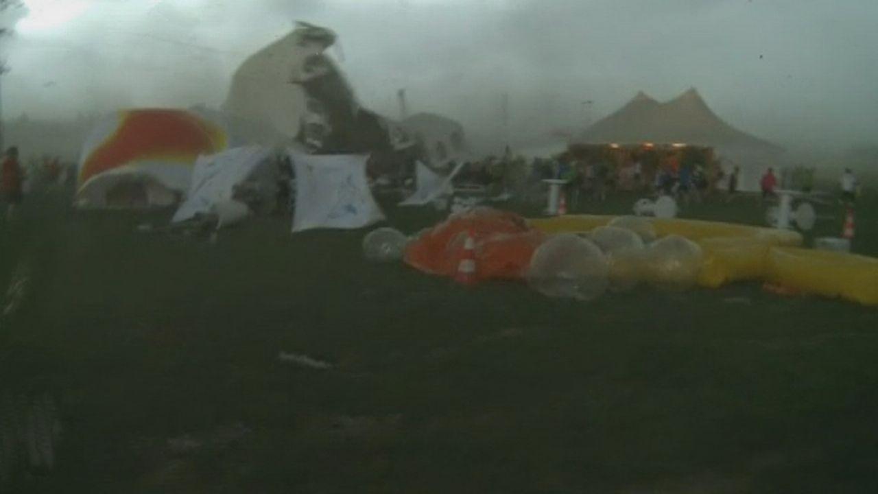 Violent orage sur le site de la Fête fédérale de gymnastique à Bienne [RTS]