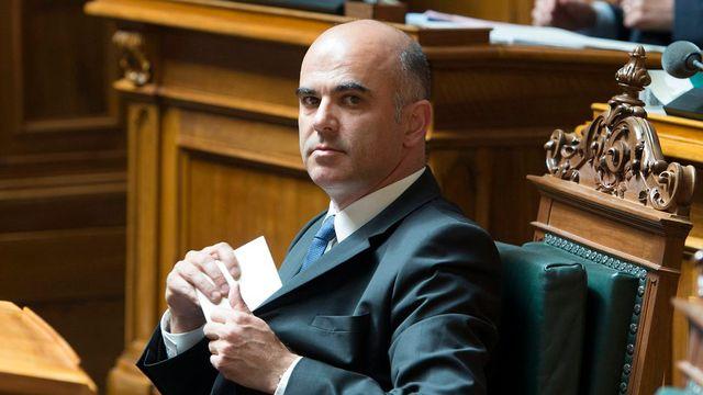 Le Conseil fédéral prévoit une réforme musclée des retraites, élaborée par le ministre de l'Intérieur Alain Berset. [Peter Schneider - Keystone]
