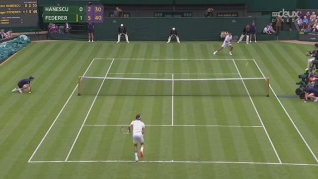 Roger Federer (SUI-3) - Victor Hanescu (ROU). Ca va assez vite: 6-3 6-2 en 41 minutes. Federer termine la 2e manche par un nouvel ace [RTS]
