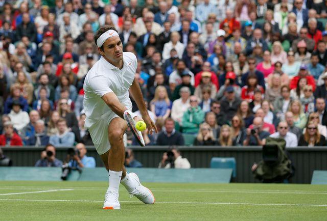 Federer passe ce 1er tour avec facilité... et un certain style! Mardi dès 14h, vous pourrez notamment suivre Nenad Djokovic à l'oeuvre, ainsi que Serena Williams et Gilles Simon [Stefan Wermuth - Reuters]
