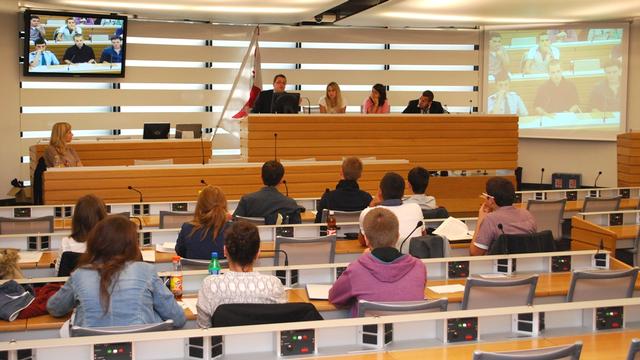 Le parlement jurassien des jeunes [Gaël Klein - RTS]