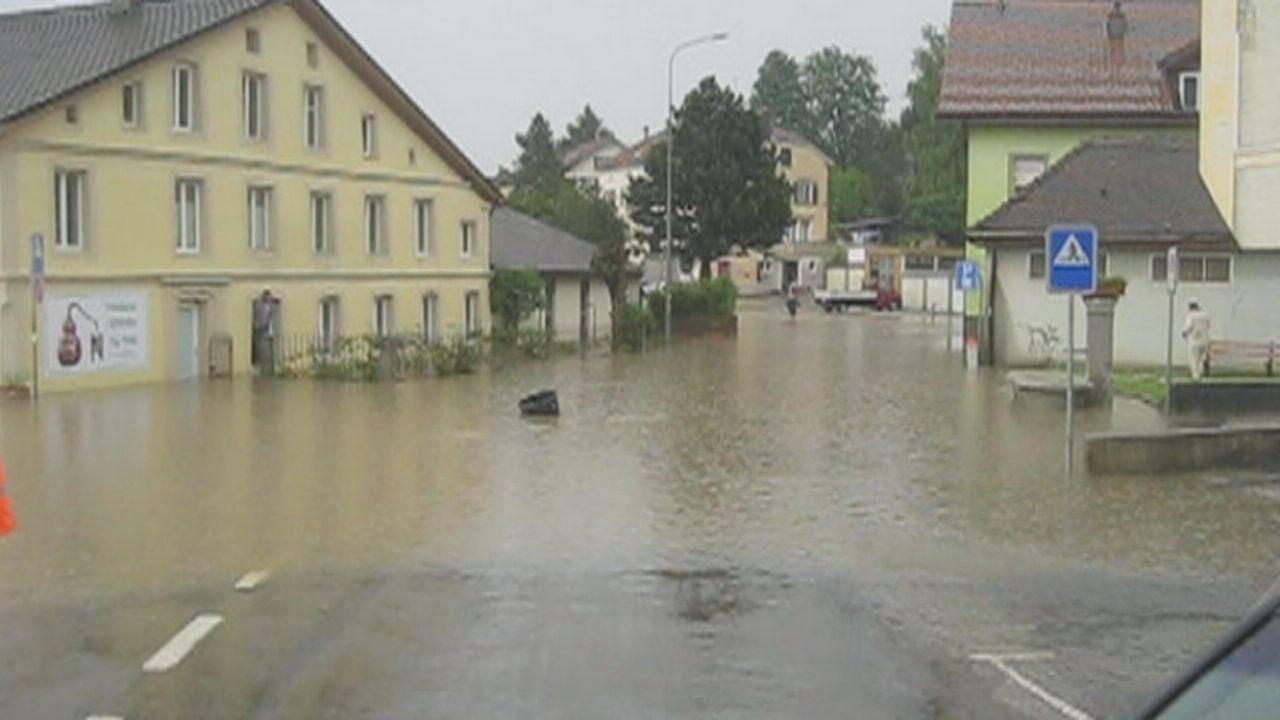 Inondations à Couvet (NE) après un fort orage [RTS]