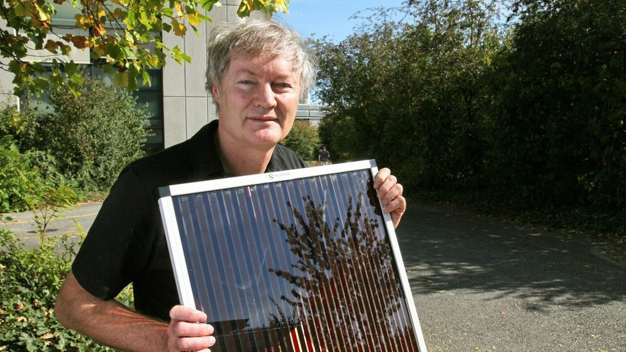 Les cellules solaires de l'EPL ont été conçues par le chercheur Michael Grätzel. [EPA/Technology Academy/HO - Keystone]