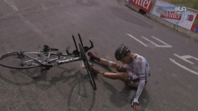 17e étape (contre-la-montre): Péraud, partant déjà avec une clavicule fracturée, rechute... ça devrait être la fin du Tour pour le N°1 français [RTS]