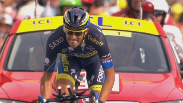 17e étape (contre-la-montre): l'arrivée de Contador qui termine 2e, comme sa place au classement général avec toujours plus de 4 minutes de retard sur le maillot jaune, Froome [RTS]