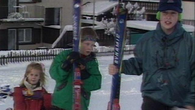 Le prince William et Harry à Klosters en 1995 [RTS]