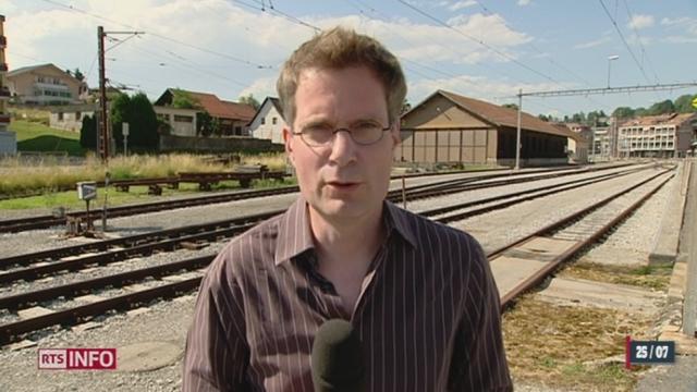 Accident de train à St-Jacques de Compostelle: tentative d'explications avec Yves Puttallaz, expert des réseaux ferroviaires [RTS]