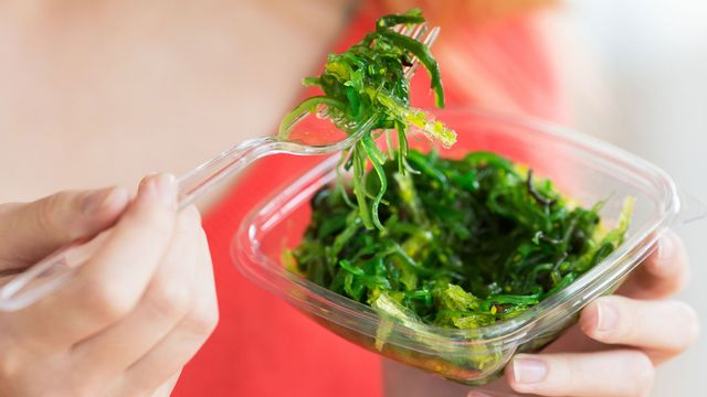 En plus d'être originale, la salade d'algues est idéale pour la ligne. [Garo - AFP]