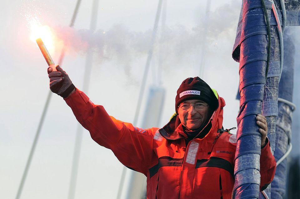 Dominique Wavre à son arrivée aux Sables d'Olonnes le 8 février 2013, au terme de la 7e édition du Vendée Globe. [Jean-Sébastien Evrard - AFP]