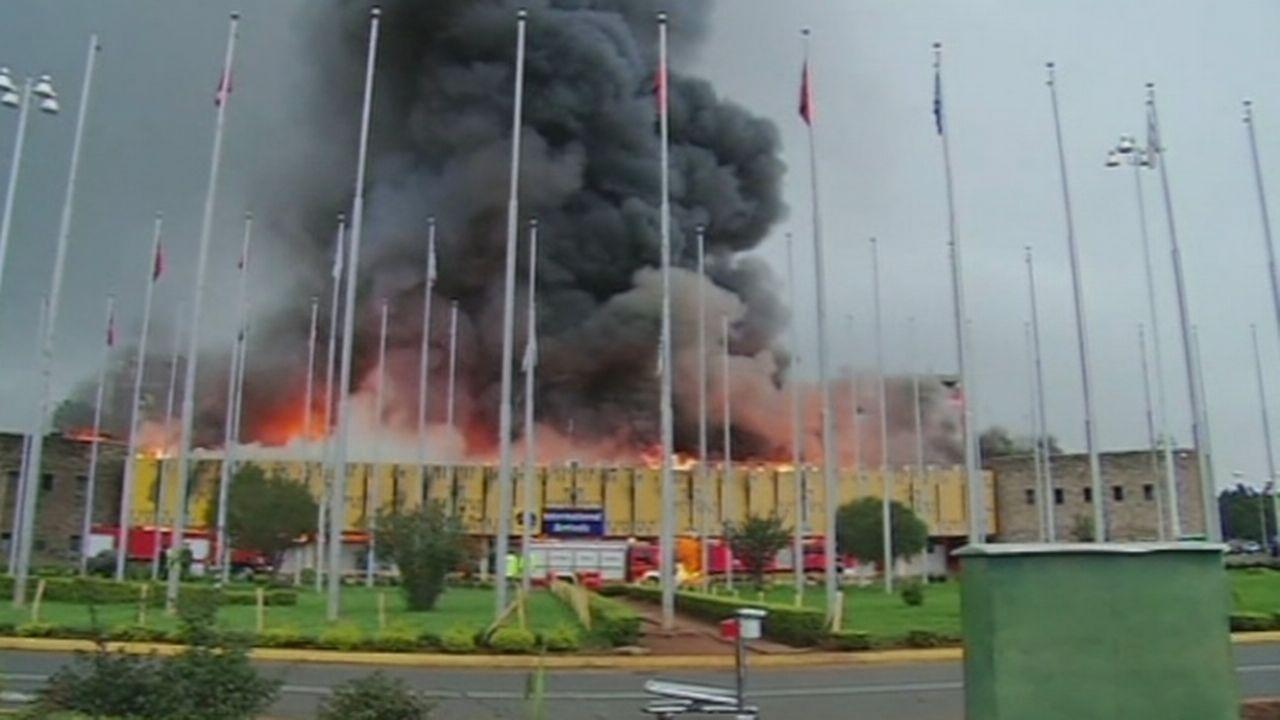 L'aéroport de Nairobi paralysé par un important incendie [RTS]