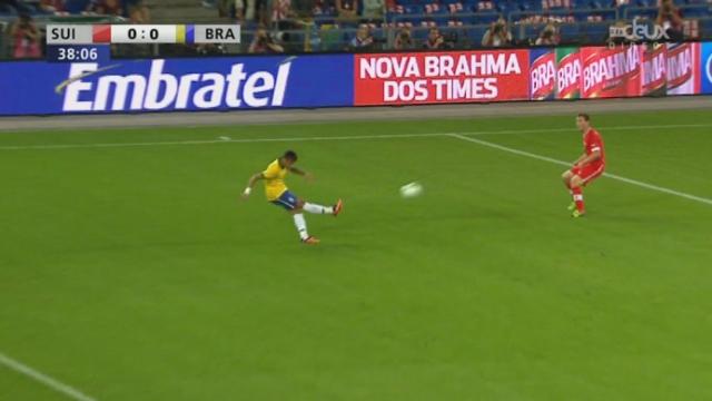 Suisse - Brésil (0-0): Belle tête de Paulinho qui touche la barre! [RTS]