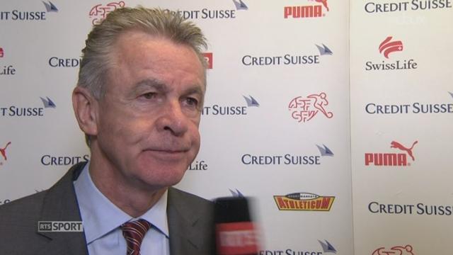Suisse - Brésil (1-0): interviews d'hitzfeld et de Lichtsteiner [RTS]