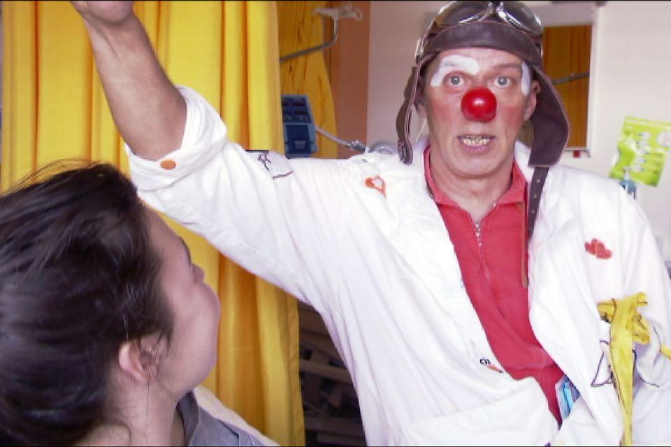 """Un clown du collectif des """"Dr Rêve"""". [RTS]"""