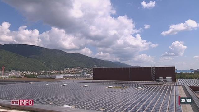 Un congélateur a été conçu pour stocker le surplus d'électricité fourni par du solaire [RTS]