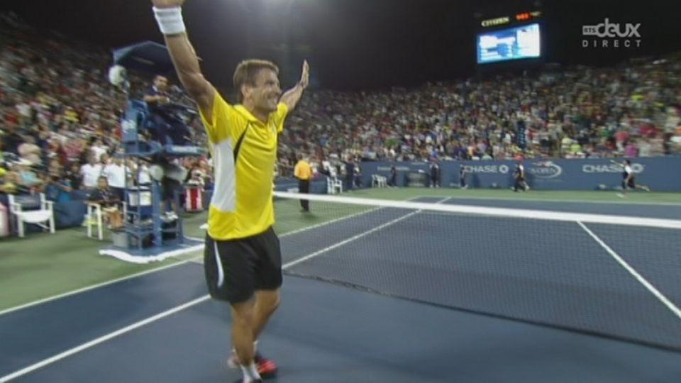 1/8e de finale, Robredo - Federer (7-6, 6-3, 6-4): Federer n'a rien pu faire face à l'Espagnol… Il s'incline logiquement en 3 sets et ne retrouvera jamais Nadal pour le 1/4 de finale tant attendu entre les deux hommes [RTS]