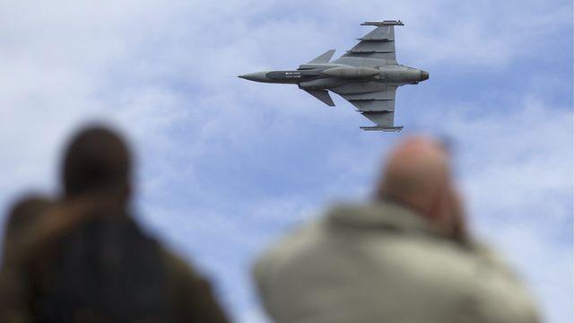 Un vol de démonstration a été présenté aux nombreux journalistes qui ont fait le déplacement à Emmen. [Peter Klaunzer]