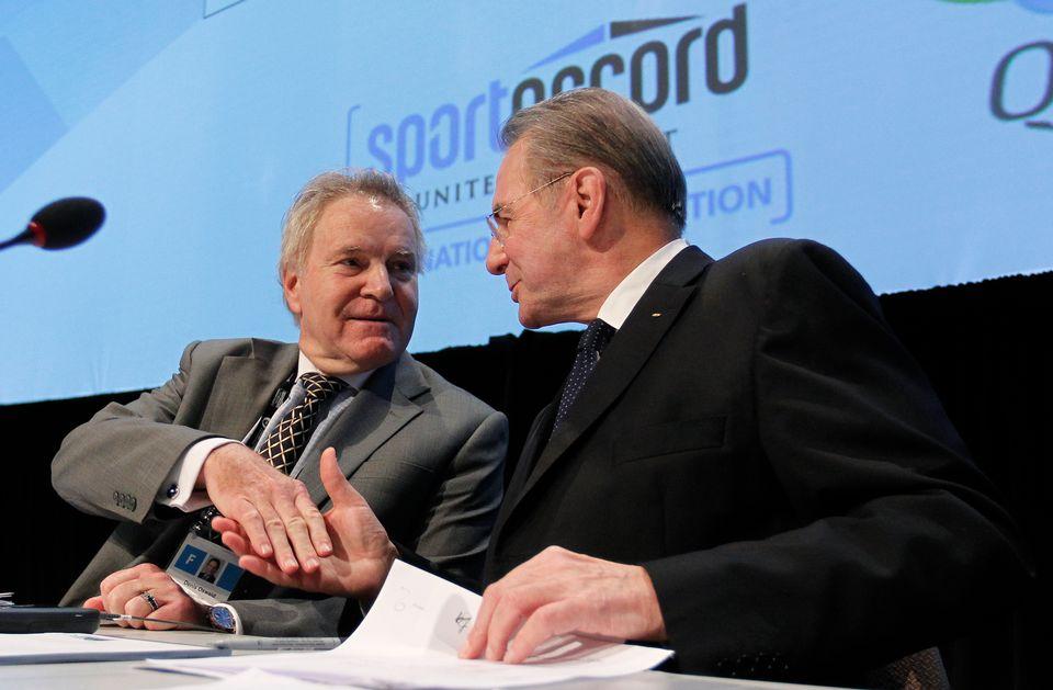 Denis Oswald (à gauche) est dans la course pour succéder à Jacques Rogge. [Mathieu Belanger - Reuters]