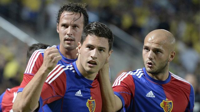 Buteur contre Chelsea en mai dernier, Fabian Schär espère rééditer sa performance mercredi. [GEORGIOS KEFALAS  - Keystone]