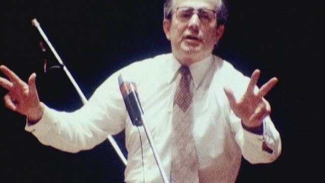 Le chef Wolfgang Sawallisch s'apprête à quitter l'OSR en 1980. [RTS]